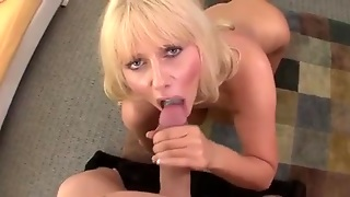 Spactacular Mature Blow Job