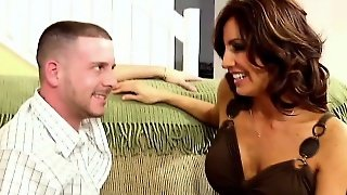 Guy Fucks His Hot Horny New Stepmom!