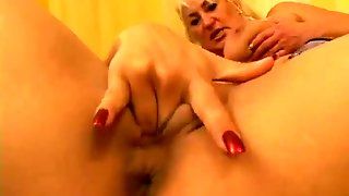 Voluptuous Mature Slut Dana Hayes Is A Pussy Loving Lady Who Loves Slim Teens