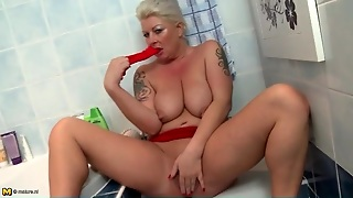 Big Saggy Mature Tits Are Fun To Fondle