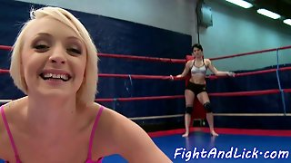 Lesbian Wrestlers Pussylicking Passionately