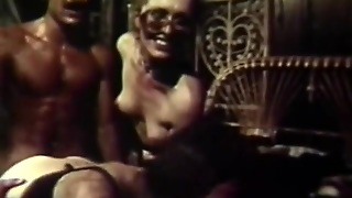 Guy Fucks 2 Latinas To Shoot Cum (1970S Vintage)