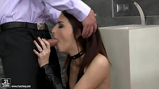 Rough Sex In A Public Bathroom With The Hot Lyen Parker