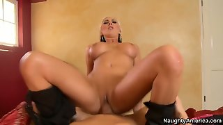 Blonde Skylar Price With Massive Boobs And Hairless Snatch Is Good