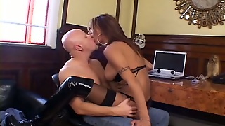 Slutty And Sexy Transsexual With Nice Ass Gets A Blowjob
