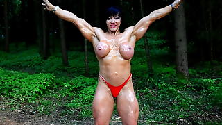 Jana Oiled Flexing Her Muscles