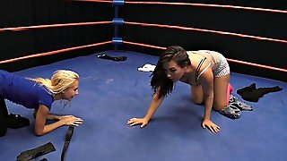 Catfight Girls Strip