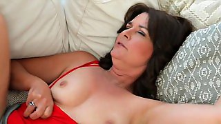 Kelly Scott Kellys First Time She Has A Very Hairy Pussy