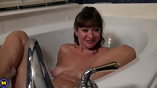 Mature With Saggy Tits In Bathroom