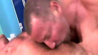 Masseuse Gets His Cock Blown By His Client