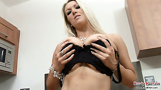 Busty Britain Video21