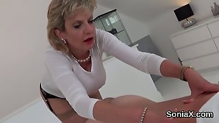 Unfaithful Uk Mature Lady Sonia Exposes Her Huge Breast