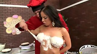 Delicious Brunette Brandy Aniston Deepthroats A Cock And Gets Her