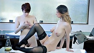 Doctor Babe Massaging And Pussylicking