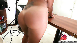 Perfect Bodied Stunner Roxy Love With Round Booty Takes A Dream Shower In Cumshot Action