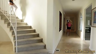 Pussylicking Mature Seduced By Stepdaughter