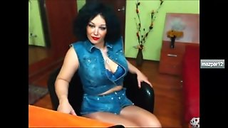 Latin Mature In Pantyhose And Heels