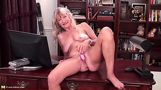 Hairy Masturbation, Granny Dildo, Cunt, Masturbates, Hd Naked, Her Cunt, Hd Cunt, Masturbation Desk