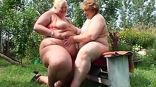 Naughty Outdoor Bbw Lesbian Session