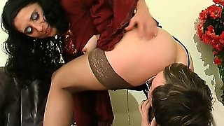 Girls In Stockings Lick Pussy