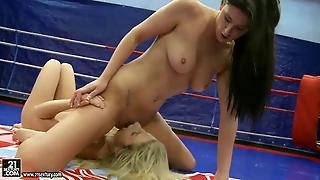 Blonde Vs Brunette In Hot Wrestling