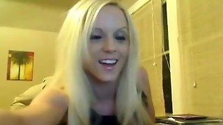 Hot Blonde Webcam Girl Has A Busy Day At Work