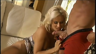 Adorable  Babe Lauren Kain Gets Her Pussy Polished