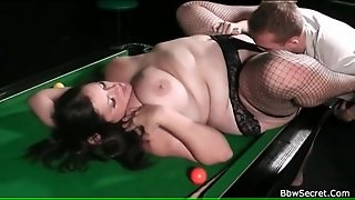 Sucking Lustily On Bbw Pussy To Get Her Wet