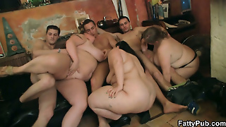 Hot Group Bbw Orgy In The Bar