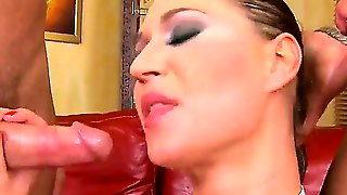 Hot And Gorgeous Linda Ray Needs To Hot Dicks To Make Her Holes Cumming Sweet