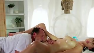 Kendra Lust Pussy Licking Pussy Eating & Pussy Massage Video In Hd