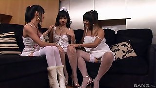Japanese Cowgirls Pussy Toying In A Saucy Lesbian Threesome