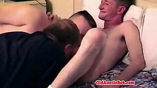 Amateur Gay Bear In Bj Threeway With Jocks