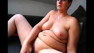Bbw Curvy Big Tit Milf Plays On Webcam