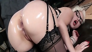 Big Ass Babe With Sexy Lingerie Gets Fucked In Ass
