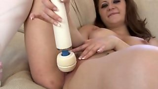 Babe With Big Natural Tits First Time Masturbating With A Hitachi To Orgasm