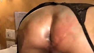 Shemale Babe In Stockings Plays