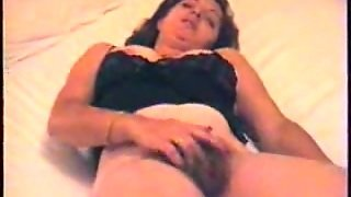 37 Years Old Brunette Arab Wife Of Mine Masturbates