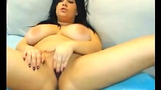 Chubby Webcam Brunette Masturbates With Ohmibod