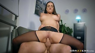 Brunette Mea Melone With Big Knockers