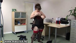 Bbw Mature Housewife With Huge
