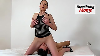 Perverted Czech Gilf Linda Facesitting And Bushy Pussy