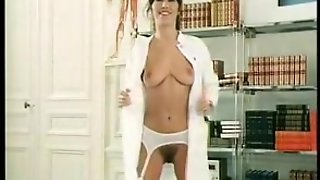 Frauenarzt Vom Place Pigalle. Thrilling Retro French Porn From 80S