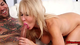 Tattooed Start Banging A Hot Blonde