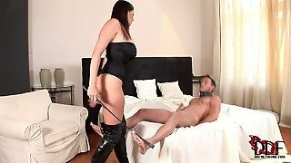Gianna Michaels Is A Big Boobed Mistress. She Gives Deep