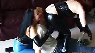 Sexy Smother Amateurs
