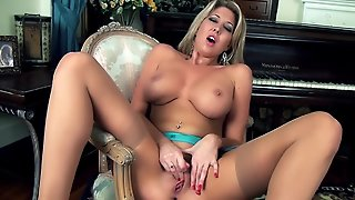 Lexi Lowe Is The Buxom Pornstar Of Your Fantasies