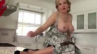 Horny Mature Stockings Lady Sonia