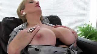 Pussy Stroking Lady Sonia