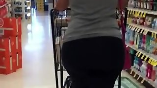 Big Plump Ass In Lycra Leggings Cougar